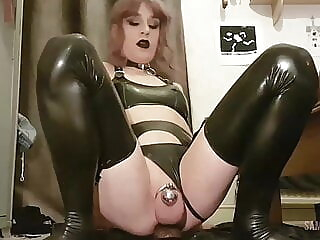 Latex Sissy Dildo Suck & Fuck ladyboy amateur latex