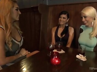 Shemale threesome girls shemale big tits shemale fucks girl shemale interracial