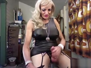 Big tits mature tranny crossdressing solo shemale webcam