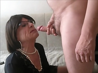 Mature Cd Deep Throating And Swallowing Cum shemale crossdressing amateur