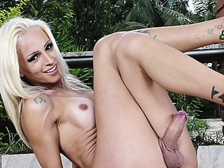 Beautiful Dany de Castro Jacks Off - Brazilian-Transsexuals shemale shemale big ass shemale big tits